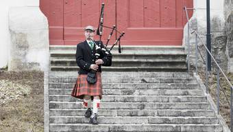 Ein schottischer Reise-Journalist besuchte Solothurn. Hie und da sind auch Dudelsack-Spieler in der Ambassadorenstadt anzutreffen. (Themenbild)