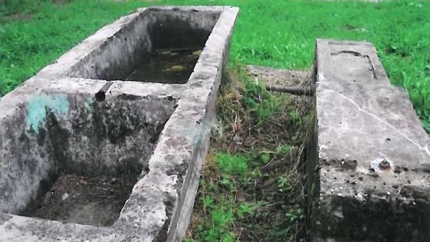 Dieser 2,5 Tonnen schwere Brunnen ist seit einem Jahr unauffindbar.