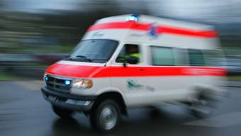 Bei einem Experiment im Unterricht erlitt ein 15-jähriger schwere Verletzungen. (Symbolbild)