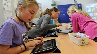 myPad im Kanton Solothurn: Medienkonferenz des Bildungsdepartements in Biberist zum Einsatz von iPads im Schulunterricht
