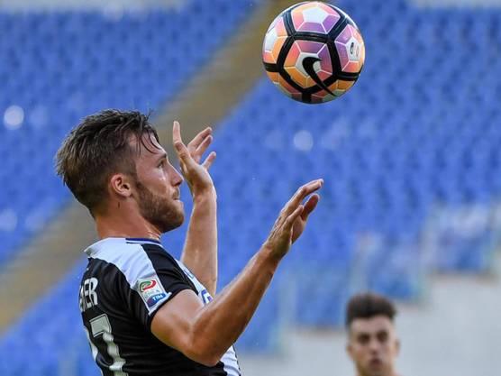 Silvan Widmer (hier noch im Dress von Udinese Calcio) soll bald als Ersatz von Michael Lang präsentiert werden.