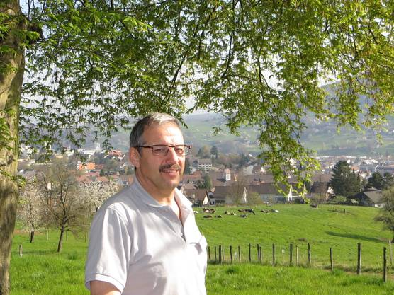 Eine Persönlichkeit in unserem Dorf, der auch weiss, dass man als Präsident vom VVF Frenkendorf auch etwas für eine Berggemeinde im Tessin zu tun hat. Bravo sage ich, nicht so wie die Manager Franz und Severin Schwan (ein Deutscher und ein Oesterreicher, die Schweiz nur als GOLDENES KALB tun sehen.