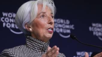 Christine Lagarde spricht am Mittwoch am WEF in Davos zu den Medien.