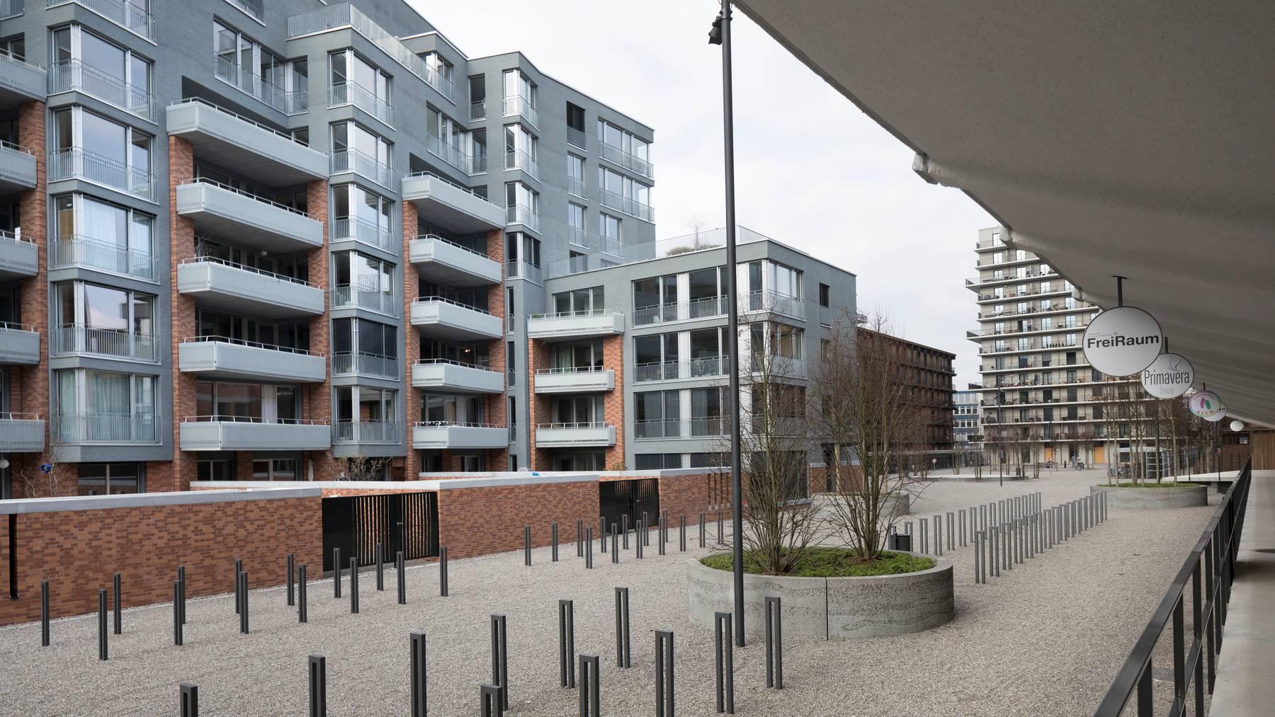 Die Immobiliennachfrage bleibt hoch, bei einer längeren Krise dürften die Preise auf dem Eigenheimmarkt aber nicht länger tragbar sein.