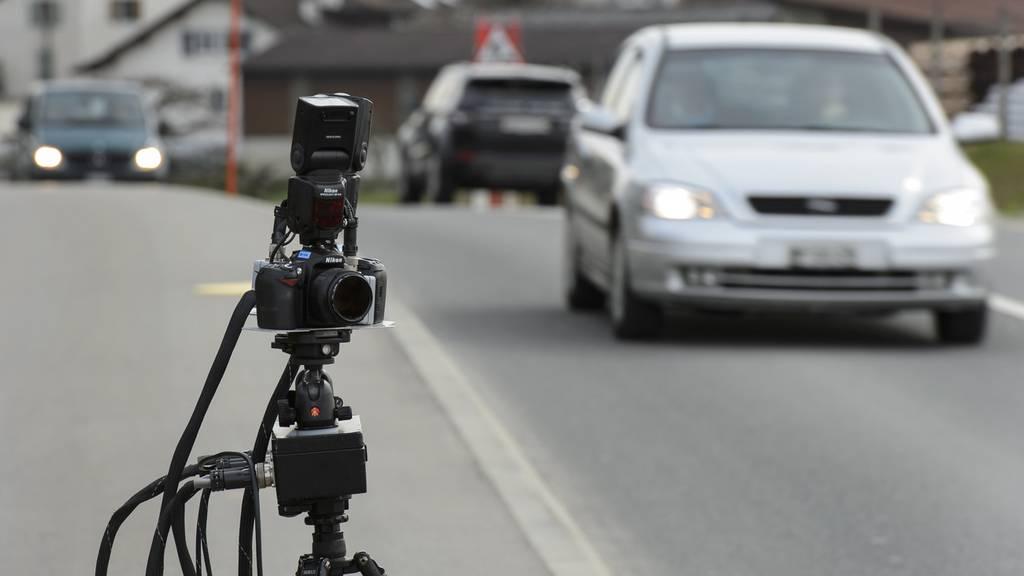 21-Jähriger rast «mit unglaublichen 128 km/h» durch Lenzburg