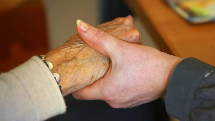 Im Kanton Zürich geht man davon aus, dass sich die Zahl der Menschen mit Demenz bis ins Jahr 2040 auf 50'000 verdoppeln wird.