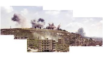 Saida am 6. Juni 1982. Am ersten Tag, als Israel den Libanon angriff, fotografierte der 16-jährige Akram Zaatari die Bombeneinschläge. Jahre später montierte er sechs seiner Bilder zu einem. Zaatari/Kunsthaus