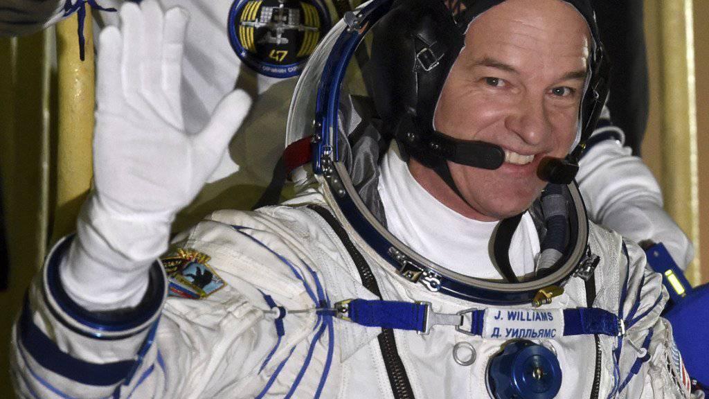 NASA-Astronaut Jeff Williams hat den bisherigen US-Rekord für den längsten Aufenthalt im All gebrochen. Um den absoluten Rekord zu brechen, müsste der 58-Jährige allerdings noch einige Missionen absolvieren. (Archivbild)