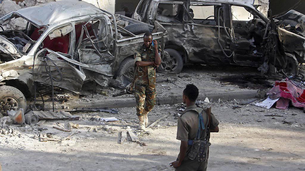Beim Anschlag in Mogadischu starben mindestens 27 Menschen, 30 wurden verletzt.