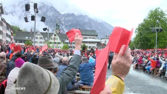"""Glarner Landsgemeinde sagt """"Nein"""" zum Burkaverbot"""