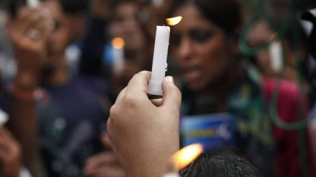 Gedenken an das Opfer der tödlichen Vergewaltigung (Archiv)