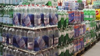 Ausländische «Billigwasser» können auch Vorteile haben, meint Getränkekonzern Eptinger.