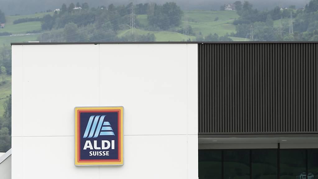 Der deutsche Discounter Aldi will sein Filialnetz in der Schweiz in den kommenden Jahren bis auf 300 Läden ausbauen. (Archivbild)