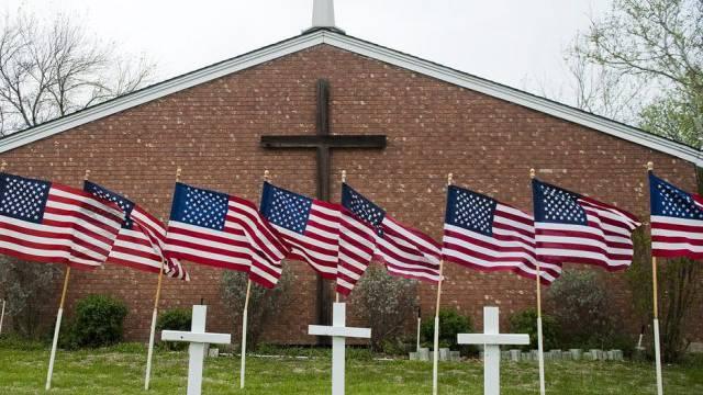 US-Flaggen für die Opfer des Amoklaufs von Fort Hood
