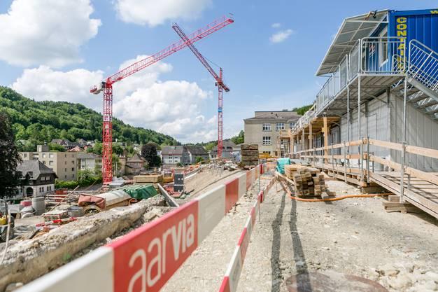 Die beiden neuen Schulgebäude Burghalde 2 und 3 nehmen Form an.