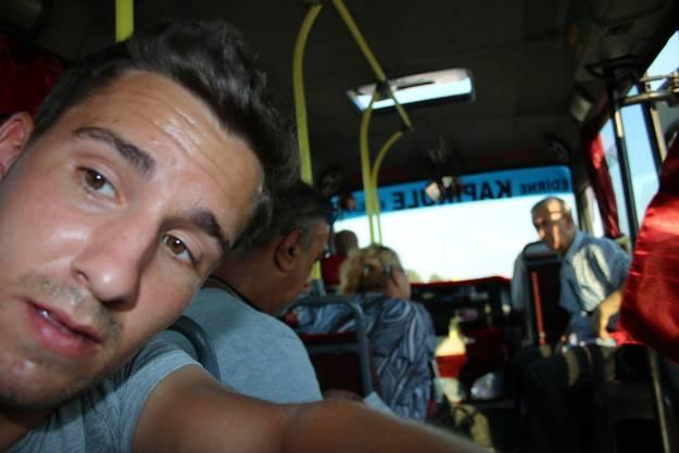 """Von Grenze Bulgarien-Türkei nach Edirne: Ein Bus hält an, obwohl ich  abwinke und sage """"No Money""""."""