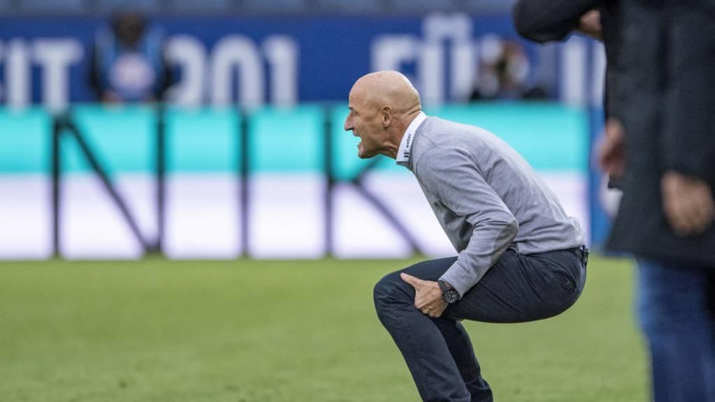 St. Gallens Trainer Peter Zeidler hatte nach der Pause in Luzern zu leiden.