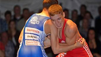 Vom Fussballfeld auf die Ringermatte: Der Benzenschwiler Gabriel Vollenweider zeigte eine starke Premiere in der ersten Freiämter Mannschaft.