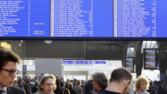 Schweizer Züge hatten zuletzt vermehrt Verspätungen. Doch wie pünktlich sind sie im Vergleich zum Ausland? Wir haben dies nachgeprüft.