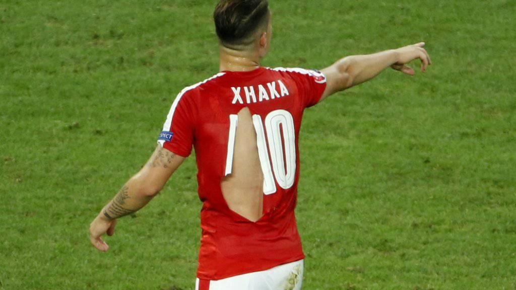 Die zerfetzten Trikots der Schweizer Spieler (hier Granit Xhaka) im Spiel gegen Frankreich sorgten für viel Gesprächsstoff .