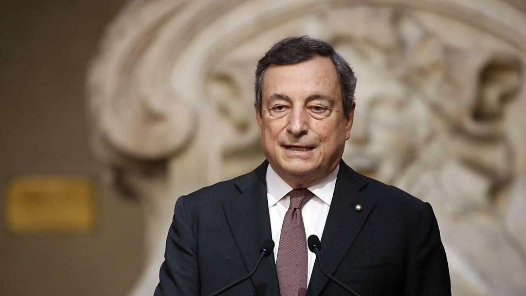 Italiens Ministerpräsident Mario Draghi spricht im Palazzo Chigi. Foto: Massimo Di Vita/Mondadori Portfolio via ZUMA/dpa