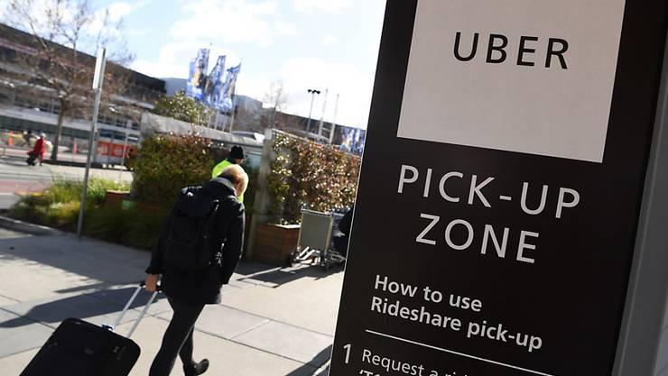 Die Skandale reissen nicht ab: Der US-Mitfahrdienst Uber sieht sich nach Vorwürfen der sexuellen Belästigung und einem Datendiebstahl mit weiteren Personalabgängen konfrontiert. (Symbolbild)