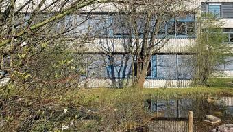 Das Essen an der Kantonsschule Limmattal sei teurer als anderswo, kritisieren Politikerinnen.