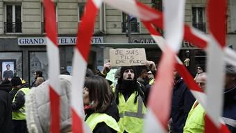 """Die Reihen bei den """"Gelbwesten""""-Protesten in Frankreich lichten sich: Am Samstag sank die Anzahl der Demonstrierenden auf den niedrigsten Stand seit Beginn der Proteste."""