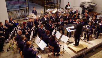 Die Stadtmusik Solothurn mit Neumitglied Niklas Raggenbass (Mitte). Der katholische Stadtpfarrer wirkte mit seiner Querflöte mit.