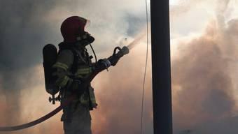 In Schlieren kam es am Montagabend zu einem Brand. (Symbolbild)