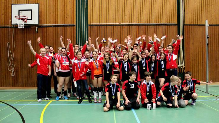Die Smasher-Jugend nach dem Goldrausch an den vergangenen Aaraguer Meisterschaften.
