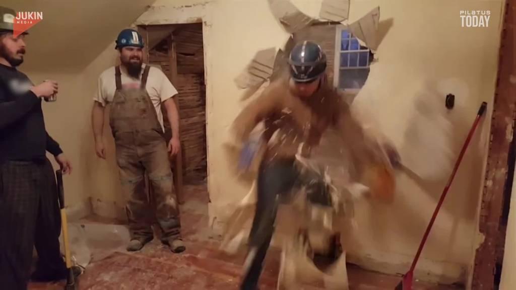 Mit Vollgas durch die Wand: Richtige Büezer lachen auch wenn's schmerzt