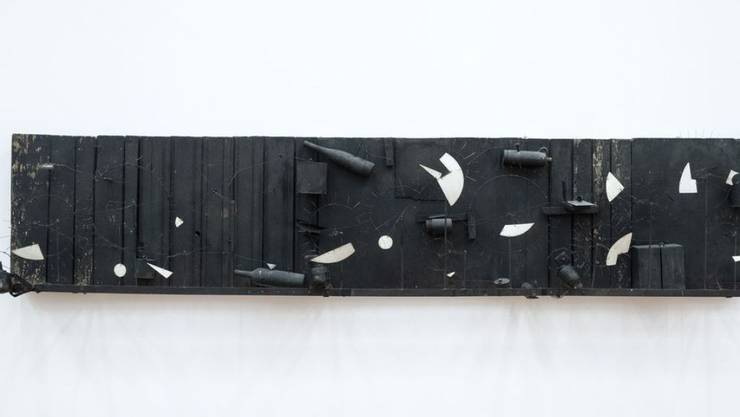 """Das Werk """"Relief méta-mécanique sonore I"""" (1955) von Jean Tinguely ist Teil der Ausstellung """"Stunde Null"""" im Kunsthaus Zürich. Sie dauert vom 7. Juni bis 22. September 2019."""