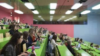 Wenn Vorlesungen später beginnen, kommen die Studentenan der Rushhour vorbei.