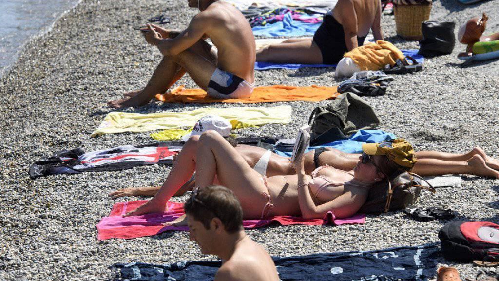 Der Sommer geht munter weiter: In der Schweiz lagen die Temperaturen am Wochenende an vielen Orten über 30 Grad.
