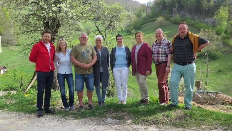 Gastropartner Naturpark Thal: v.l. Oskar Hartmeier, Susi Bader, Andi Schnyder und Luzia Schnider, Bernadette Grünig, Elsbeth Lanz , Christoph Jeker, Marcel Kunz, es fehlt Jörg Saner. zvg