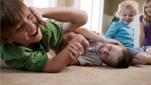 Nicht immer nur löblich: Kinderbetreuung in Kinderkrippen. Ob sie förderlich ist für das Knd, hängt in erster Linie von der Qualität ab.