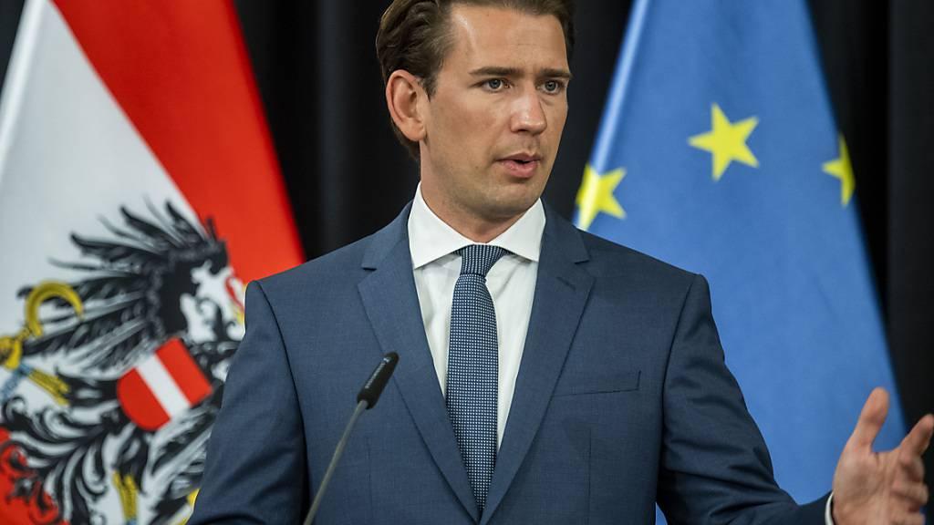 Sebastian Kurz, Bundeskanzler von Österreich, spricht bei einer Pressekonferenz. Foto: Jaroslav Nov/TASR/dpa
