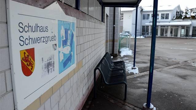 Die Uitiker Sekundarschüler werden auch künftig im Schulhaus Schwerzgrueb zur Schule gehen. ksc
