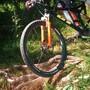 Die Bikerin und ihr Partner stürzten beide an derselben Stelle. (Symbolbild)