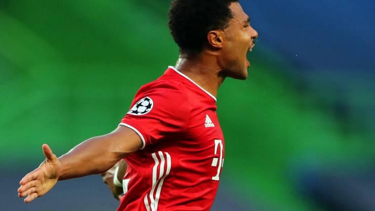 Bayerns Serge Gnabry im Glück nach seinem Schuss ins Lattenkreuz zum 1:0