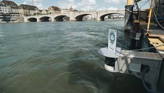 Basel Tourismus hat am Floss eine Selfie-Kamera für Rheinschwimmer installiert