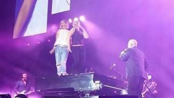 Jennifer Lawrence und Amy Schumer tanzen auf dem Piano