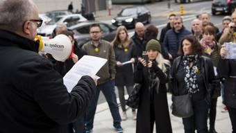 """Mitte November trugen ehemalige Angestellte von """"Le Matin"""" ihre Anliegen auf die Strasse. (Archiv)"""