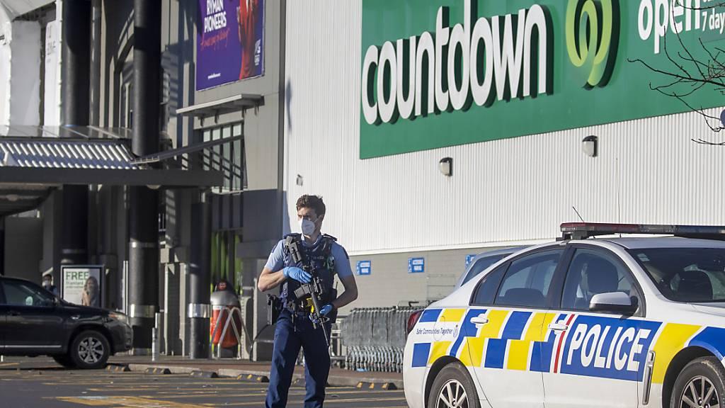 Supermarktkette in Neuseeland nimmt Messer nach Attacke aus Regalen