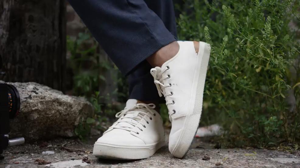 Die Schuhe werden aus natürlichem Hanf, Bio-Baumwolle und recyceltem Polyester hergestellt. (Bild: shoptoms.de)