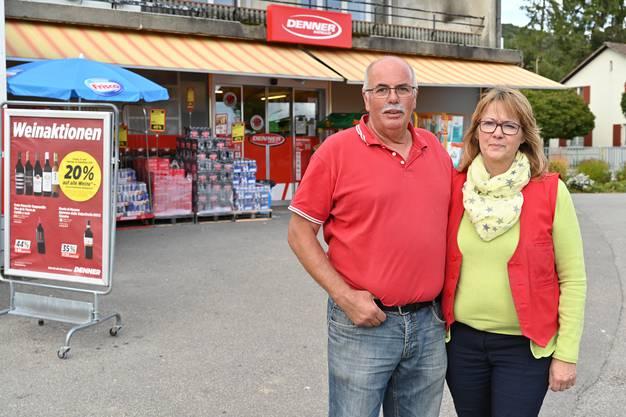 Peter und Therese Schläppi stehen vor dem Tatort: «Wir haben noch nie etwas Vergleichbares erlebt.»