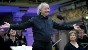 Der 80-jährige Musiker Heinz Holliger ist neuer Ehrendoktor der Universität Basel (Archivbild: EPA/ROBERT GHEMENT)