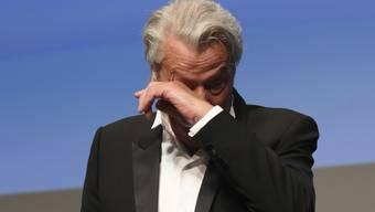 Nahm die Auszeichnung unter Tränen entgegen: Schauspieler Alain Delon (83) wurde bei den Filmfestspielen in Cannes für sein Lebenswerk ausgezeichnet.