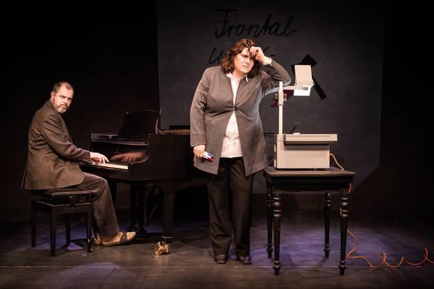 Patti Basler ist auch als Kabarettistin unterwegs: Hier mit dem Programm «Frontalunterricht» mit Musiker Philippe Kuhn.